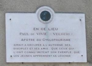velocio_plaque